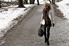 Different scarf, outfit is perfect for winter!