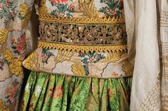 Patterns of Magnificence: Tradition and Reinvention in Greek Women's Costume, Hellenic Centre, London. Greek Traditional Dress, Traditional Outfits, Tribal Dress, Ethnic Dress, Embroidery Fashion, Folk Costume, Festival Wear, Textiles, Dance Costumes