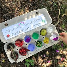 Rainbow nature hunt anyone? Shows us how to celebrate Spring in … Rainbow nature hunt anyone? Shows us how to celebrate Spring in style. I love the use of the egg carton! Forest School Activities, Nature Activities, Summer Activities, Learning Activities, Preschool Activities, Family Activities, Kids Outdoor Activities, Toddler Fun, Toddler Learning