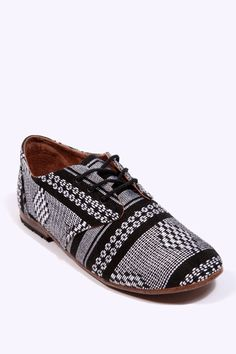 aa61cf761 Osborn Black  amp  White Printed Oxford Shoes. I want them. Fashion Clothes  Online