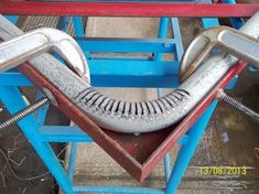 Blacksmithing: Bending of round thick tube, without using bending machine. Welding Trucks, Welding Rigs, Welding Tools, Welding Art, Metal Working Tools, Metal Tools, Metal Projects, Welding Projects, Welding Crafts
