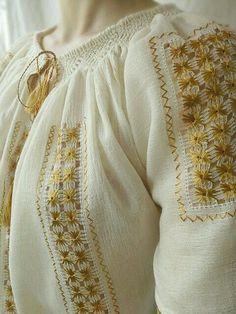 Ethnic Fashion, Kids Fashion, Fashion Tips, Hand Embroidery, Embroidery Designs, Costumes Around The World, Manish Malhotra, Folk Costume, Cross Stitch Patterns