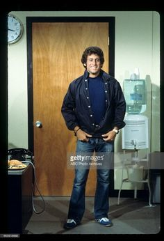 Paul Michael Glaser Cops Tv Show, Paul Michael Glaser, David Soul, 70s Tv Shows, Tv Detectives, Starsky & Hutch, Childhood Tv Shows, Me Tv, Hairy Men