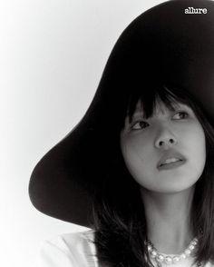 TWICEミナ「Allure」11月号に登場「初英語シングル、大きな試み」 - デバク