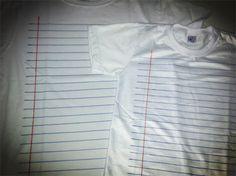 camiseta customizada com estampa de caderno