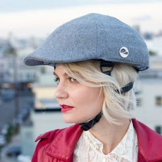 This newsboy cap is actually a collapsible helmet.