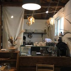 the cafe noah works ay looks a little like this Apartment Interior Design, Cafe Interior, Kitchen Interior, Interior And Exterior, Interior Decorating, Cafe Design, House Design, Cozy Coffee Shop, Black Rooms