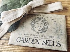 I created printable seed packets with French-inspired designs. The seed packets are perfect for personal use, party favors, or gifts for special occasions. Flower Seeds, Flower Pots, Diy Flower, Diy Spring Wreath, Paint Line, Cool Writing, Design Seeds, Seed Packets, Garden Seeds