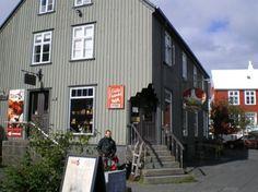 The Reykjavik Grapevine - Life, Travel and Entertainment in Iceland / Friða Frænka