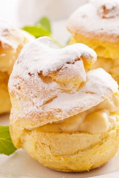 Cream Puffs with Vanilla Filling Dessert Pudding Desserts, Dessert Recipes, Pastry Recipes, Cooking Recipes, Cream Puff Recipe, Eat Dessert First, Snacks, Cookies Et Biscuits, Just Desserts