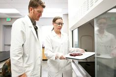 UNLV researchers author first-ever scholarly report on experiences of placenta-eatingmoms