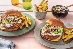 This juicy pork burger patty gets a sweet chilli glaze, while the baked potato fries have a sprinkling of toasted sesame seeds to jazz up their flavour. Pork Burgers, Burger Buns, Salmon Burgers, Slaw Recipes, Burger Recipes, Home Burger, Sweet Chilli Sauce, Toasted Sesame Seeds, Dinner Recipes