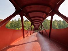 Footbridge in Esch-sur-Alzette | Ney & Partners with Metaform (architects), CDC (general contractor) and Aelterman (steel construction); Photo: Steve Troes Fotodesign | Archinect
