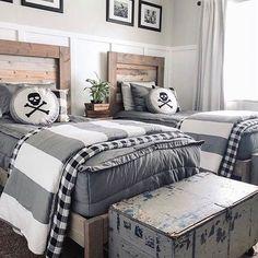 35 Amazing Double Bed for Teen College Bedroom is part of Twin boys room - As a result, if you enjoy the notion of a daybed in your bedroom, do not neglect to decide on […] Boys Bedroom Decor, Girls Bedroom, Bedroom Ideas, Big Boy Bedrooms, Twin Boys Rooms, Bedroom Designs, Bedroom Wall, Bedroom Mirrors, Twin Room