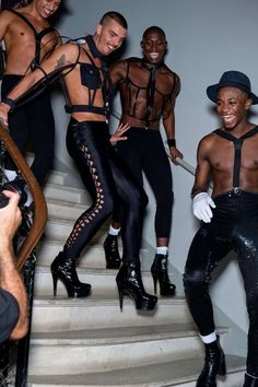 Men in Heels. Jean Paul Gaultier Jean Paul Gaultier spring 2013 ready to wear collection Paul Gaultier Spring, Jean Paul Gaultier, Men In Heels, High Heels, Afro, High Fashion, Mens Fashion, Raining Men, Queen
