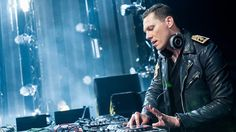 Here is the latest Club Life show from Tiesto.   Check out other Tiesto mixes here and subscribe to the feed to get updated about fresh mixes. Tiesto – Club ...