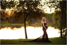 Sunset on the lake - Maternity session! Click on the photo to check out the FULL blog! <3