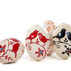 Oeuf de Pâques en papier mâché peint main