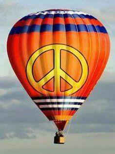 hot air balloon pics with peace sign Air Ballon, Hot Air Balloon, Peace Love Happiness, Peace And Love, Peter Max Art, Feelin Groovy, Hippie Love, Balloon Rides, Helium Balloons