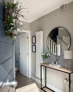 Hallway Designs, Foyer Design, House Design, Hallway Inspiration, Home Decor Inspiration, Living Room Designs, Living Room Decor, Bedroom Decor, Small Hallway Decorating