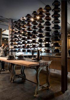 Una tienda de sombreros en Chicago que perfectamente podría ser una tienda de zapatillas deportivas como la última apertura de Diesel, ¿no? [] Optimo Hat Shop, Chicago