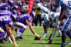 Joe Berger #61 of the Minnesota Vikings lines up to snap the ball against the Tennessee Titans during the first half at Nissan Stadium on Sept. 11, 2016 in Nashville.