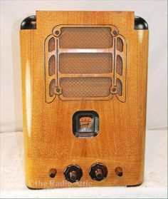 Stromberg Carlson 60 (1935) Vintage Wood, Retro Vintage, Vintage Toaster, Cardboard Model, Nostalgia, Retro Radios, Old Technology, Wood Games, Radio Wave