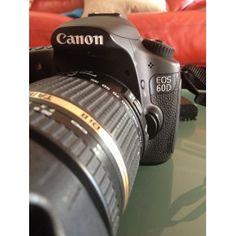 Canon 60D con objetivo Tamron 18-270mm + SDhc 16gb + Monopié. Funciona perfectamente y está como nueva.  http://reestrenando.es/95-canon-60d.html