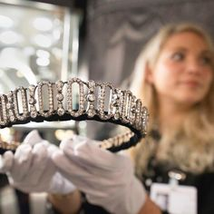 The Peel Tiara - Edwardian diamond tiara given to Lady Delia Spencer, great aunt to Princess Diana, by her father the 6th Earl Spencer, on her wedding day on February 18, 1914. Set with more than 800 old cut diamonds, estimated to weigh a total of 48 carats, the tiara can be transformed into a choker necklace and bracelet.
