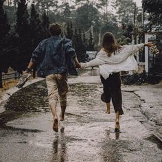 Uploaded by 𝓱𝓲𝓫𝓪𝓪 🌻. Find images and videos about rain and ocean of emotions on We Heart It - the app to get lost in what you love. Couple Aesthetic, Aesthetic Pictures, Cute Relationship Goals, Cute Relationships, Romantic Love Quotes, Romantic Couples, Love Couple, Couple Goals, The Love Club