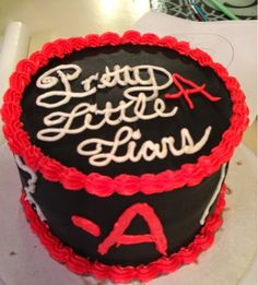 Cooking, Crafts, & Courtney: Pretty Little Liars Cake
