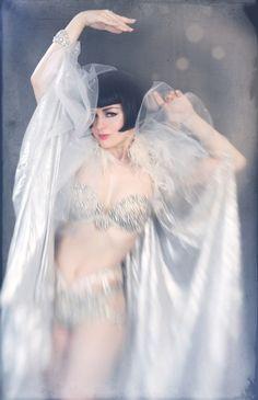Model: Vicky Butterfly  Photographer:Anna Swi