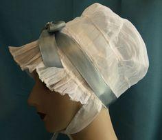 Georgian Regency cap bonnet with silk ribbon - handsewn Historical Costume, Historical Clothing, Jane Austen, Vintage Outfits, Vintage Fashion, Vintage Vogue, Regency Era, Regency Dress, Period Outfit