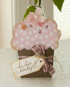 Cupcake card with buttons and pearls