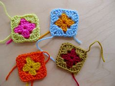 Joining granny squares as you go - Flickr tutorial by Sarah London Textiles