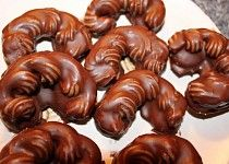 Pařížské rohlíčky (škaredé rohlíčky) Czech Recipes, Russian Recipes, Ethnic Recipes, Christmas Goodies, Cookie Desserts, Baking Recipes, Rum, Sausage, Biscuits