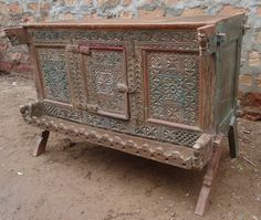 Rich Carved Vintage Indian Damchiya.