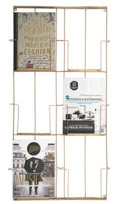 Un range revues mural pour présenter de belles revues de déco style chalet. 38,00 €