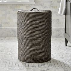 Sedona Grey Hamper - love this, but every one I get, the darn handle comes off! :( Would love to find one similar without a handle