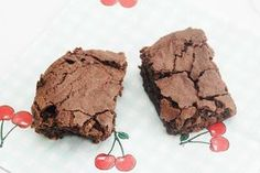 The world's best chocolate brownies / Chokolade brownies Delicious Cake Recipes, Yummy Cakes, Sweet Recipes, Mint Brownies, Homemade Sweets, Danish Food, Big Cakes, Sweets Cake, Cakes And More
