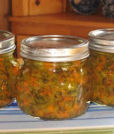Coleen's Recipes: ZUCCHINI PICKLE RELISH  would be good way to use too much zucchini