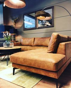 Q-Vale seater + Corner € 1399 - Q-Time Sectional Sofa With Chaise, Leather Sectional Sofas, Living Room Sectional, Home Living Room, Living Room Decor, Interior Design Living Room, Living Room Designs, Sofa Design, Furniture Design
