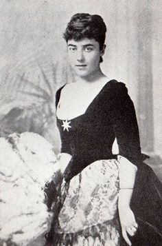 Lady Leonie Blanche Jerome, married Sir John Leslie, 2nd Baronet Leslie of Glaslough.  The marriage produced five children.  Leonie was the daughter of Leonard Jerome and sister of Jennie and Clara Jerome.