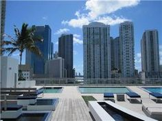 92 SW 3 ST 2807, Miami, Fl. 33130 - GREAT 1/ 1 AND 1/2 .UNIT HAS TOP OF THE LINE STAINLESS STEEL APPLIANCES, AMAZING VIEW.NOT SHORT SALE OR FORECLOSURE THIS BUILDING ON THE MIAMI RIVER HAS HIGH SPEED INTERNET AMENITIES GYM ,SPA, SAUNA POOL, RECREATION AREA. MODERN DESIGN LOCATD IN THE NEW VIBRANT DOWNTOWN/BRICKELL AREA.