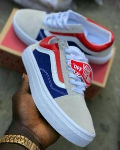Trying to find more info on sneakers? In that case click through here for more info. Quality Mens Sneakers - Men Sneakers - Ideas of Men Sneakers Sneakers Mode, Vans Sneakers, Converse, Jordan Sneakers, Sock Shoes, Shoe Boots, Souliers Nike, Moda Nike, Vans Shoes Fashion