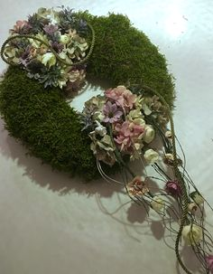 All Souls Day, Flower Branch, Cabbage Roses, Funeral Flowers, Fabric Flowers, Green Colors, Wild Flowers, Floral Arrangements, Garland
