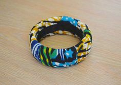 Cire Tribal africain Ankara tissu enveloppé bracelet par naomianagu, £6.50