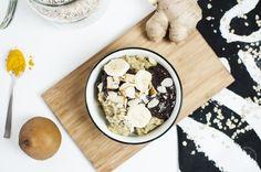 Nachdem es letzte Woche das Rezept für den gebackenen Quinoa gab, gibt es heute das zweite Rezept meiner kleinen Facebook-Umfrage: Ayurvedischer Porridge mit Buchweizenflocken und Acai Topping.