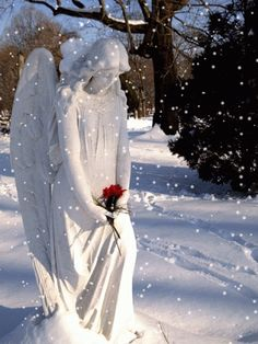 Angel Garden Statue in the Snow Cemetery Angels, Cemetery Statues, Cemetery Art, Angel Garden Statues, Garden Angels, Angels Among Us, Angels And Demons, Winter Gif, Winter Snow