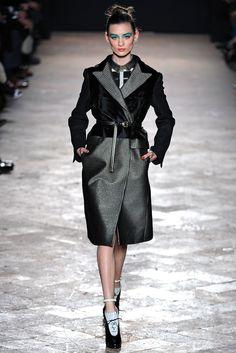 Aquilano.Rimondi Fall 2013 Ready-to-Wear Fashion Show - Carolina Thaler